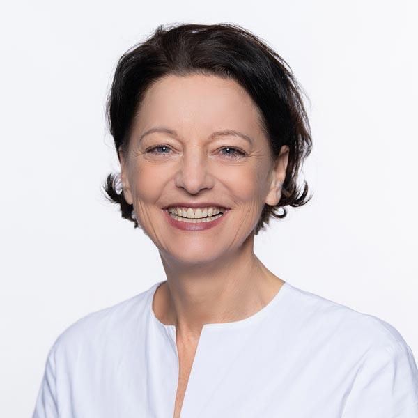 Petra Gerstl, Medizinische Fachangestellte